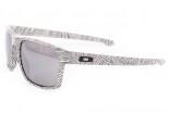 b780f6d9a25 Sunglasses OAKLEY Sliver Fingerprint White OO9262-15